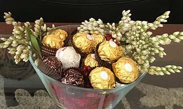 Maleny Accommodation romantic with chocolates