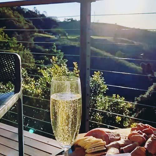 Maleny Accommodation with wine and cheese platter